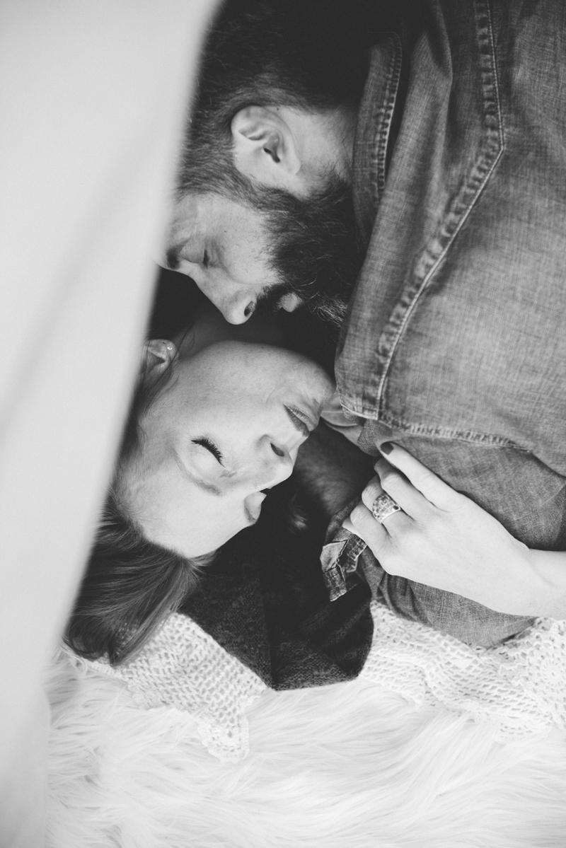 seance-engagement-tant-de-poses-photographe-toulouse-photographe-mariage-seance-au-bord-du-lac-22