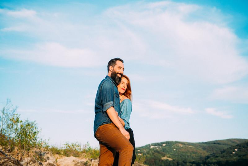 seance-engagement-tant-de-poses-photographe-toulouse-photographe-mariage-seance-au-bord-du-lac-9